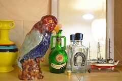愛嬌のあるオウム?っぽい置物は、事業者さんがパリの蚤の市で購入されたそう。(2012-10-01,共用部,OTHER,4F)