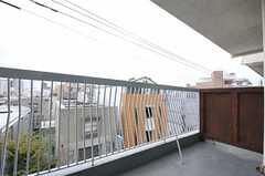ベランダの様子。(405号室)(2012-10-01,専有部,ROOM,4F)