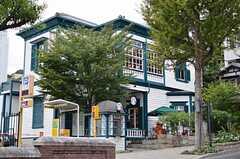 スターバックス異人館店まで徒歩1分。  (2012-10-01,共用部,ENVIRONMENT,1F)