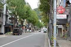 シェアハウスから各線・三宮駅へ向かう道の様子2。(2012-10-01,共用部,ENVIRONMENT,1F)