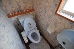 ウォシュレット付きトイレの様子。(2013-03-23,共用部,TOILET,2F)