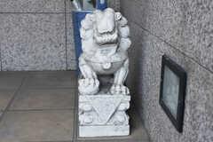 玄関には中華系の置き物が。(2019-02-13,共用部,OTHER,2F)