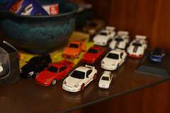 棚にはミニカーがいくつも飾られています。(2019-02-13,共用部,OTHER,3F)