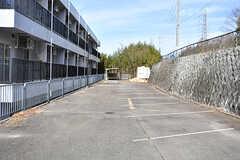 駐車場の様子。(2016-12-12,共用部,GARAGE,1F)