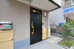 正面玄関の様子。(2012-09-14,周辺環境,ENTRANCE,1F)