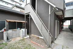 階段を上がると2Fが玄関です。(2017-06-06,共用部,OTHER,1F)