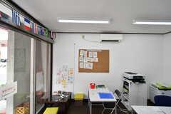 併設されている英会話教室の様子2。(2017-06-06,共用部,OTHER,1F)