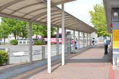 駅前には関空・伊丹直通のリムジンバス乗り場があります。(2019-05-29,共用部,ENVIRONMENT,1F)