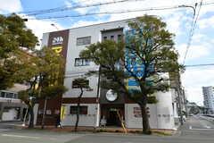 建物の外観。1-2Fが会員制のフィットネススタジオ、3-4Fがシェアハウスです。(2017-12-11,共用部,OUTLOOK,1F)