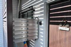 郵便受けは専有部ごとに設置されています。(2017-12-11,周辺環境,ENTRANCE,1F)