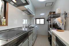 キッチンの様子。IHクッキングヒーターです。(2017-12-11,共用部,KITCHEN,4F)