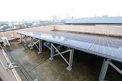 屋上にはソーラーパネルが設置されています。基本的には利用できません。(2015-07-23,共用部,OTHER,4F)