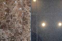 床は全面大理石の豪華なつくり。(2013-10-30,共用部,OTHER,9F)