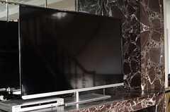 共用TVの様子。(2013-10-30,共用部,TV,9F)