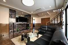 部屋数を考えると贅沢な空間スペースです。(2013-10-30,共用部,LIVINGROOM,9F)