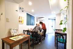 併設しているカフェの様子。(2019-01-21,共用部,OTHER,1F)