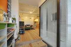 正面玄関から見た内部の様子。(2012-03-23,周辺環境,ENTRANCE,1F)