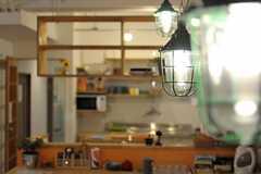 ダイニングの照明の様子。(2012-03-23,共用部,LIVINGROOM,1F)