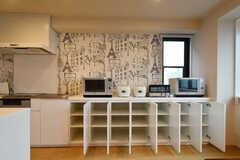 専有部ごとに収納スペースが用意されています。(2018-11-06,共用部,KITCHEN,5F)