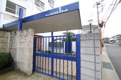 シェアハウスの門の様子。(2010-10-15,共用部,OTHER,1F)