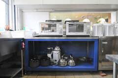 鍋やヤカンはこちら。(2010-10-15,共用部,KITCHEN,1F)