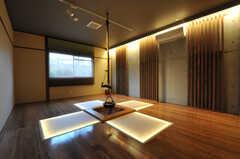 ゲストルームも用意されているので友人宿泊も可能です(有料)。(2010-10-15,専有部,ROOM,11F)