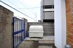 敷地内にダスト・ステーションもあります。(2010-10-15,共用部,OTHER,5F)