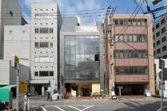 建物の外観。3-6Fがシェアハウスです。(2015-08-27,共用部,OUTLOOK,1F)