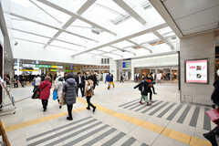 各線・茅ヶ崎駅構内の様子。(2018-03-06,共用部,ENVIRONMENT,1F)