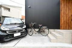 自転車置き場の様子。共用自転車が使えます。(2020-08-17,共用部,GARAGE,1F)
