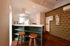 キッチンとカウンターテーブルが一体になった設計です。(2018-10-15,共用部,LIVINGROOM,1F)