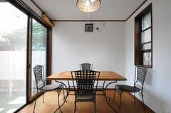 ダイニング・テーブルの様子。(2013-07-29,共用部,LIVINGROOM,1F)