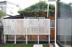 庭には簡易シャワーがあります。海から帰ってきたら、まずはシャワー。(2013-07-29,共用部,OTHER,1F)