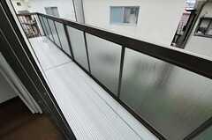 ベランダの様子。302号室と共用です。(303号室)(2013-02-18,専有部,ROOM,3F)