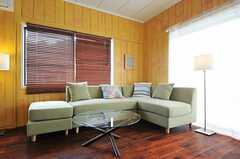 大きなソファが置かれています。(2013-03-18,共用部,LIVINGROOM,2F)