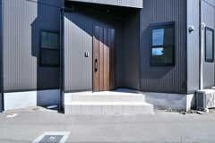 シェアハウスの玄関。(2017-09-19,周辺環境,ENTRANCE,1F)