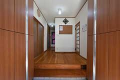 玄関から見た内部の様子。(2016-09-05,周辺環境,ENTRANCE,1F)