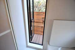 バスルームから外に直接出入りできます。(2016-12-05,共用部,BATH,1F)