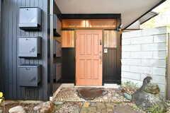 玄関ドアの様子。(2020-01-08,周辺環境,ENTRANCE,1F)