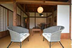 窓辺の特等席。(2015-11-01,共用部,LIVINGROOM,1F)