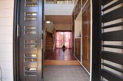 正面玄関から見た内部の様子。(2013-03-22,周辺環境,ENTRANCE,1F)