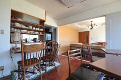 リビングからキッチンへとつながっています。(2013-03-22,共用部,OTHER,1F)