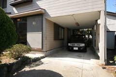 駐車スペースの様子。もちろん自転車・バイクも停められます。(2013-03-22,共用部,GARAGE,1F)
