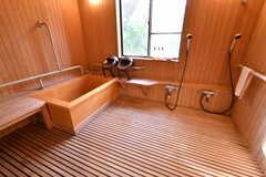 バスルームの様子。ひのきで出来ているそうです。(2018-11-28,共用部,BATH,1F)