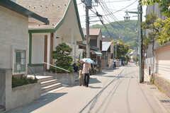小町通を一本入ると、穏やかな空気が流れています。(2015-05-26,共用部,ENVIRONMENT,1F)
