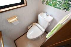 ウォシュレット付きトイレの様子。(2018-05-12,共用部,TOILET,2F)