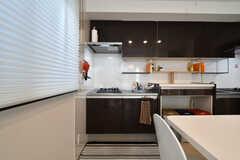 キッチンの様子。(2015-08-10,共用部,KITCHEN,1F)
