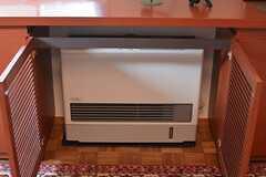 暖房は扉の中に。(101号室)(2015-01-28,専有部,ROOM,1F)