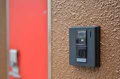 カメラ付きインターホンの様子。(2012-05-08,周辺環境,ENTRANCE,1F)
