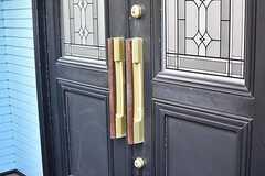 玄関の鍵穴とドアハンドル。(2017-01-17,周辺環境,ENTRANCE,1F)